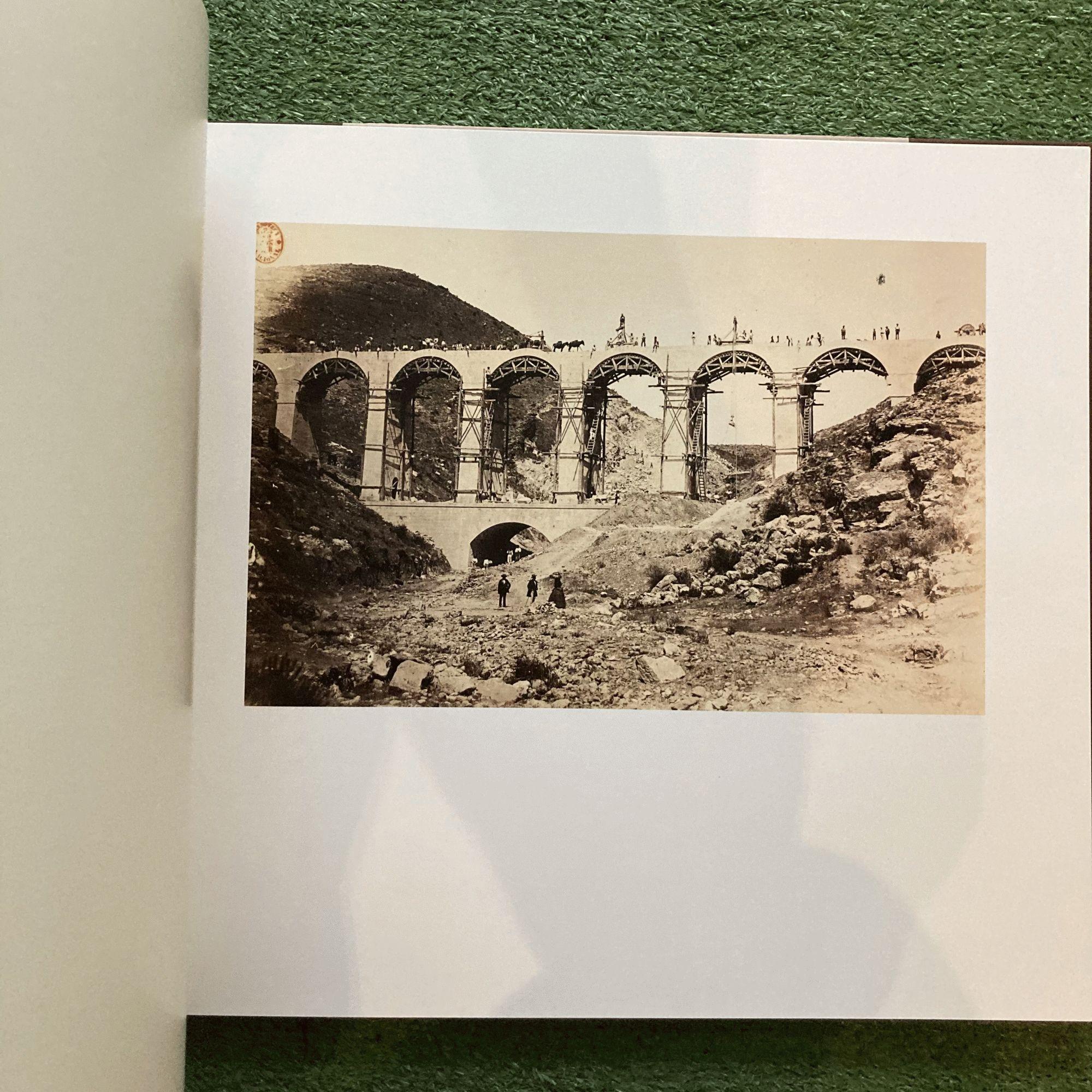 Vistas de las obras del canal de Isabel II. Clifford